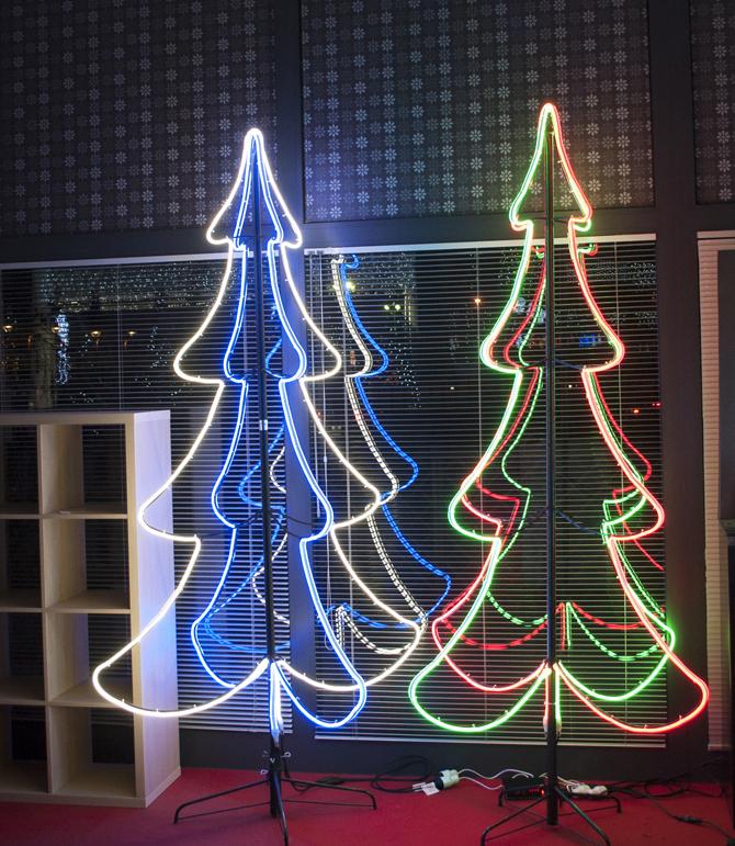 Centraline Per Luci Natalizie.Luci Di Natale Turate L Emporio