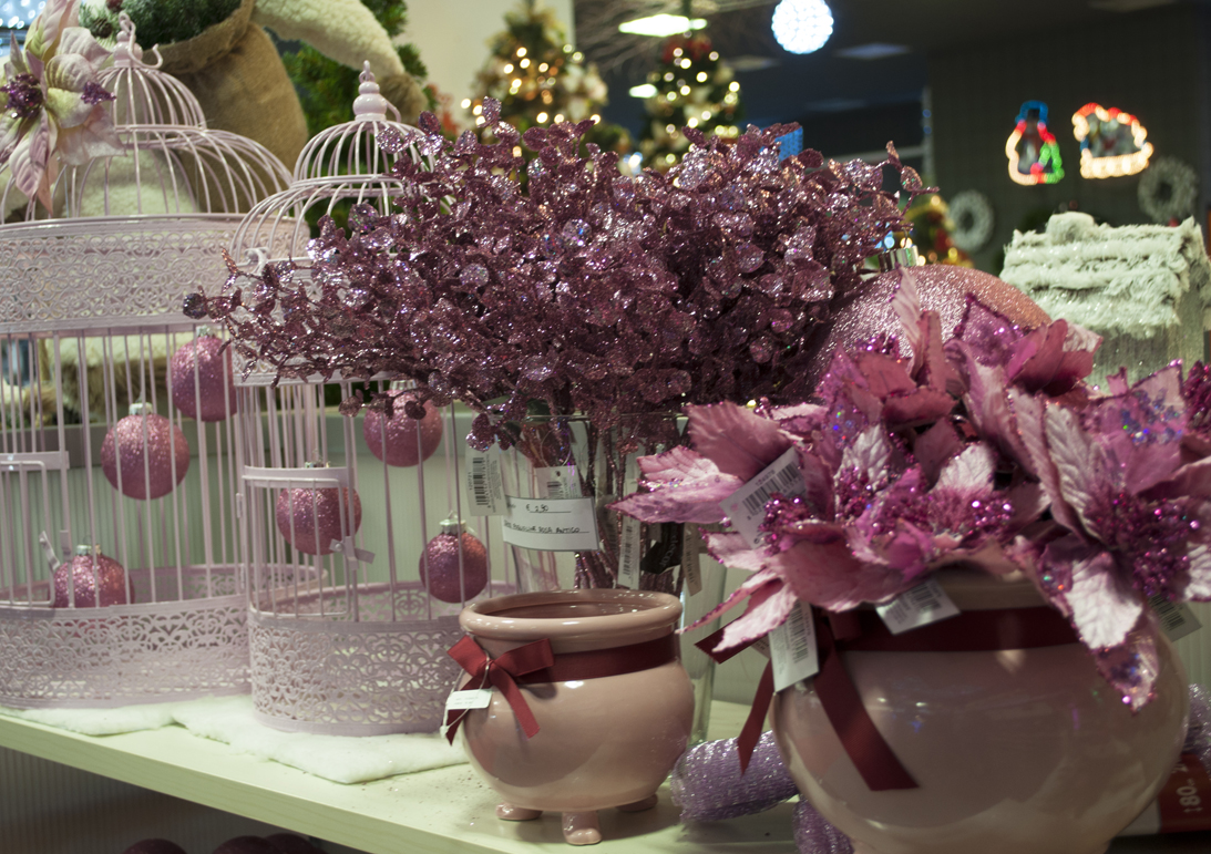 Conosciuto Noleggio e vendita di addobbi natalizi per vetrine Turate | L'Emporio UU83